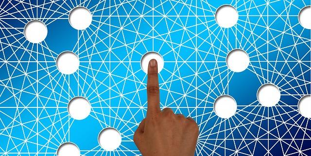 finger-1648573_640